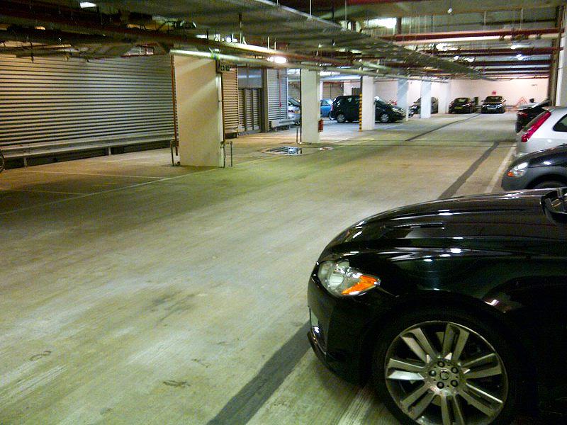 Подземен паркинг