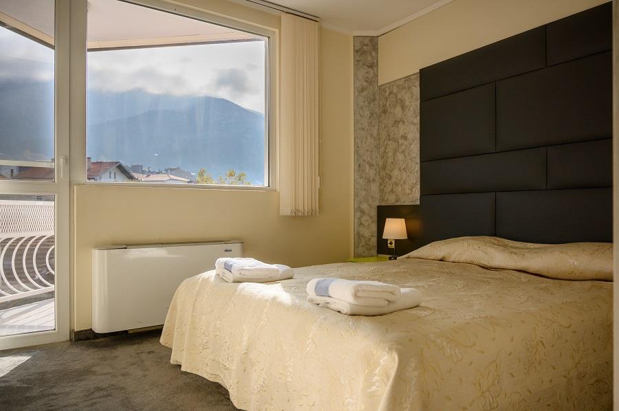 Стая с гледка към Рила